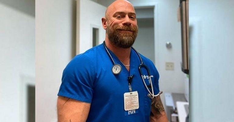 El impactante antes y después de un enfermero que contrajo covid-19, estuvo intubado seis semanas y sobrevivió