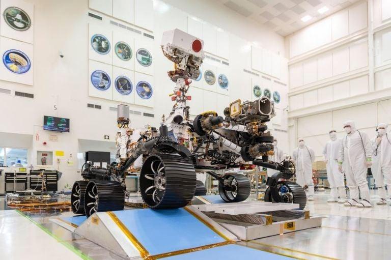 Aplazado del nuevo el lanzamiento de la primera sonda árabe a Marte